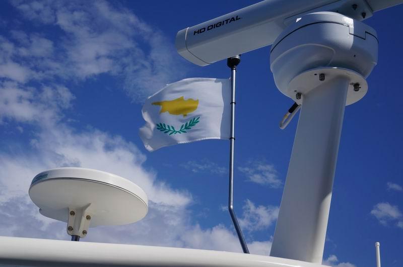 Флаг Кипра на яхте