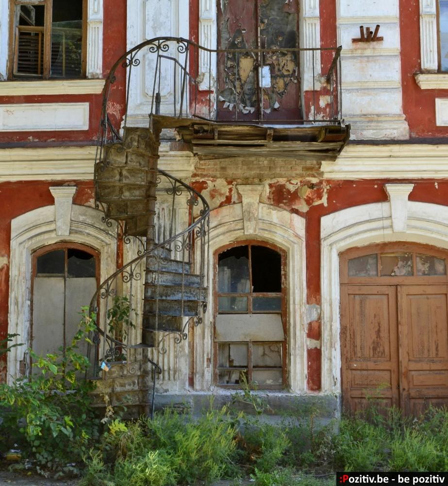 Старинные здания Ахтырки, винтовая лестница
