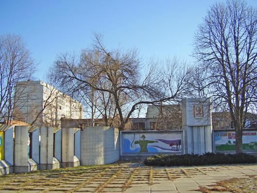 Ахтырка, стелла памяти погибших в годы ВОВ