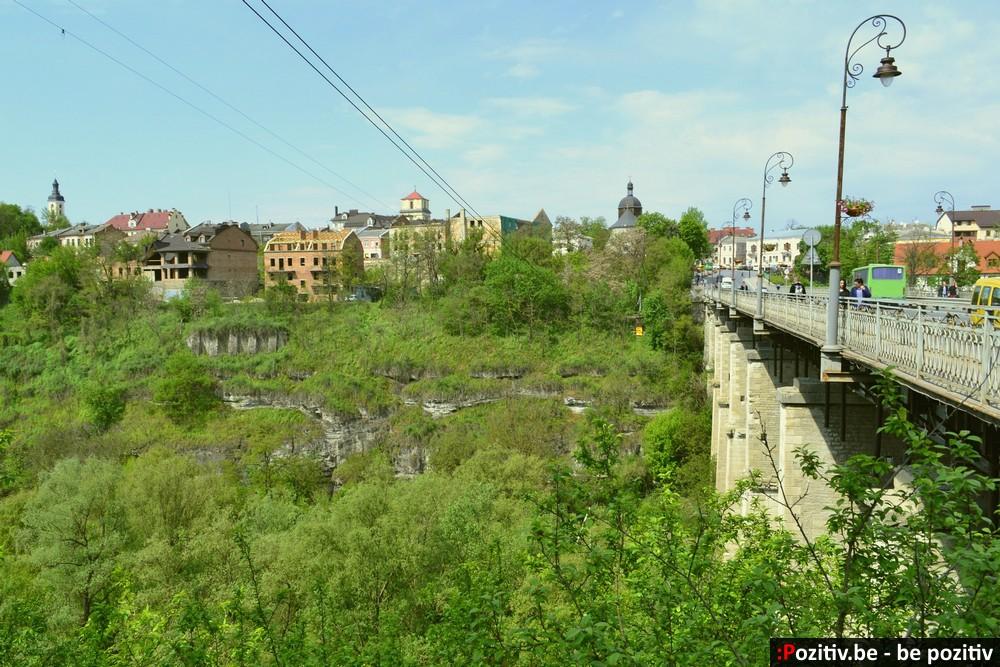 Каменец-Подольский, Новоплановский мост, троллей