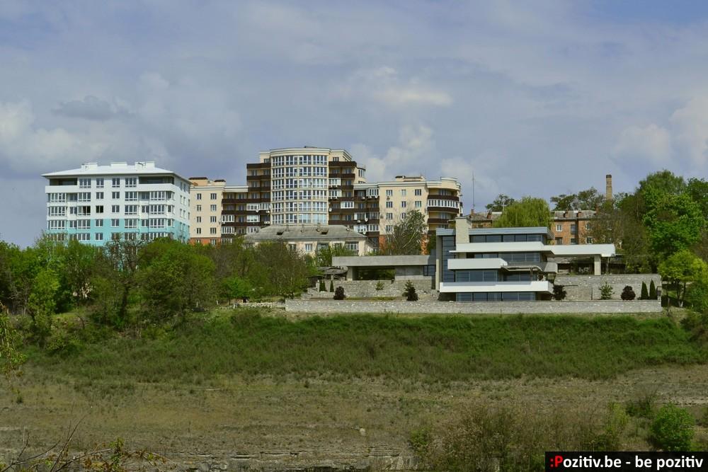 Каменец-Подольский, дом в стиле хай-тек