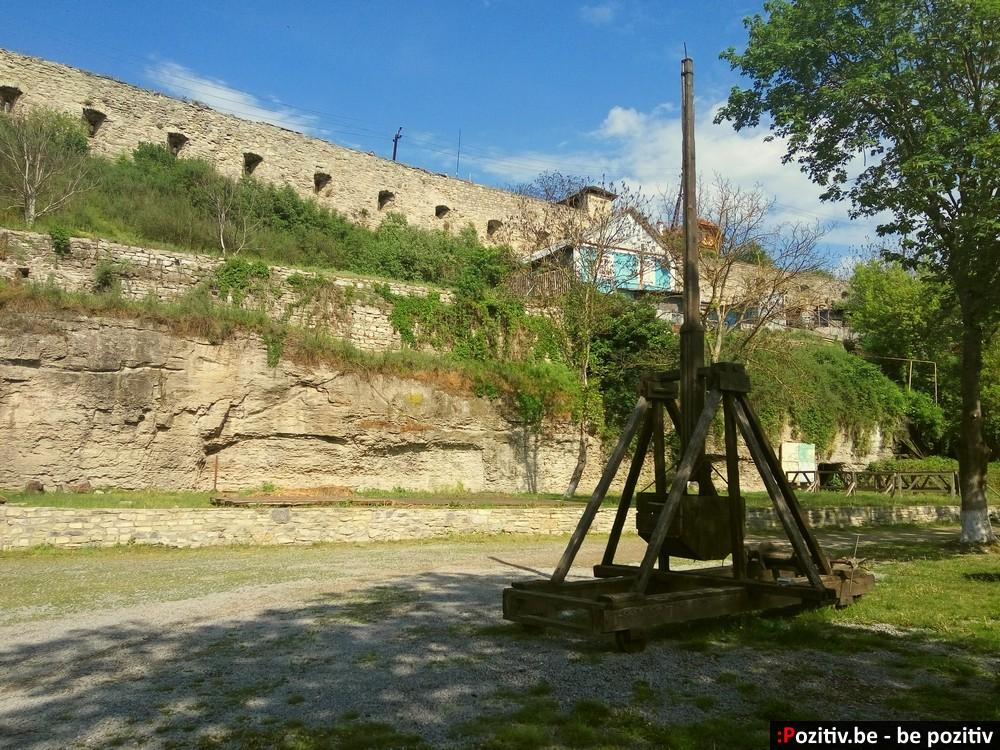 Каменец-Подольский, Старый город, Русские ворота, требушет