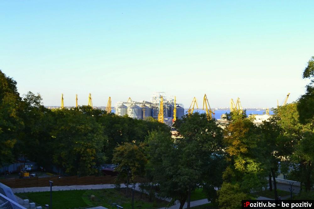 Одесса, Приморский бульвар, зерновой терминал
