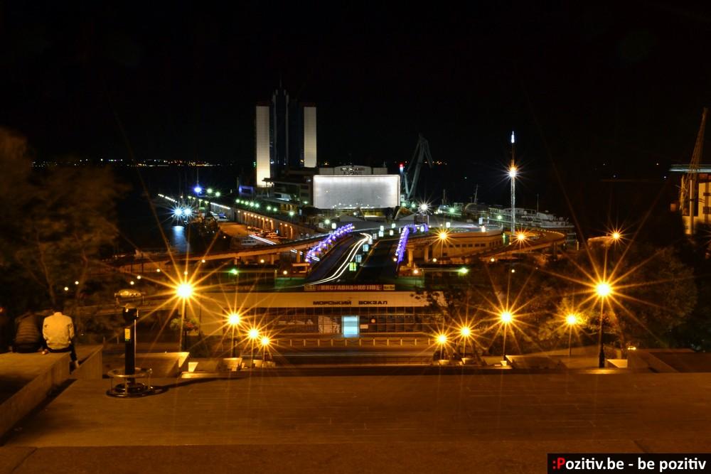 Одесский морской вокзал и Потёмкинская лестница ночью